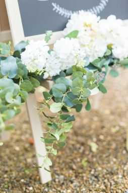 Deluxe Blooms - Wonderful Wedding Suppliers - Little Tree Weddings (6)