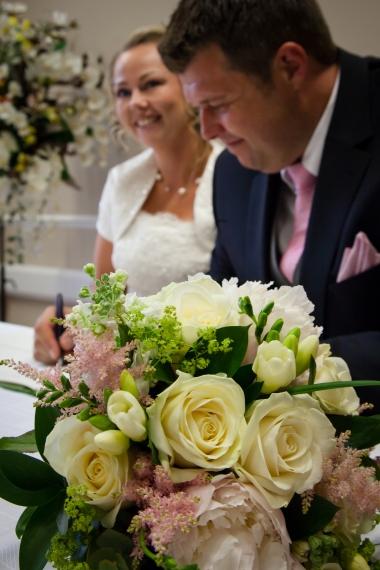 Lisa Lucas Photography - Wonderful Wedding Supplier - Little Tree Weddings (14)
