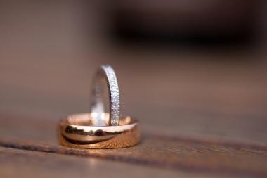 Lisa Lucas Photography - Wonderful Wedding Supplier - Little Tree Weddings (26)