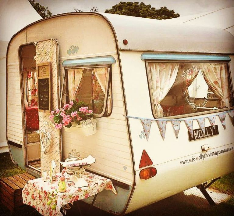 Miss Molly Caravan - Wonderful Wedding Suppliers - Little Tree Weddings - LTW (7)